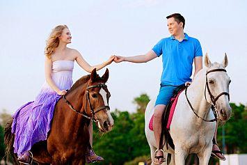 בוקר של כיף - ספא זוגי וטיול סוסים