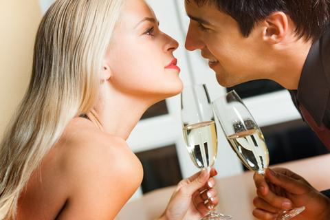 מידע המלצות ודעות על סקס בפגישה ראשונה לאחר הכרות באתר הכרויות - מסיבת רווקים