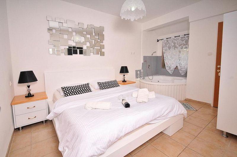חדר שינה - וילה אחוזת ניוקאסל