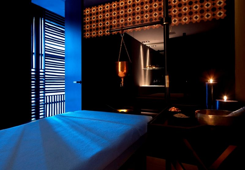 מיטת טיפולים - אקאשה ספא