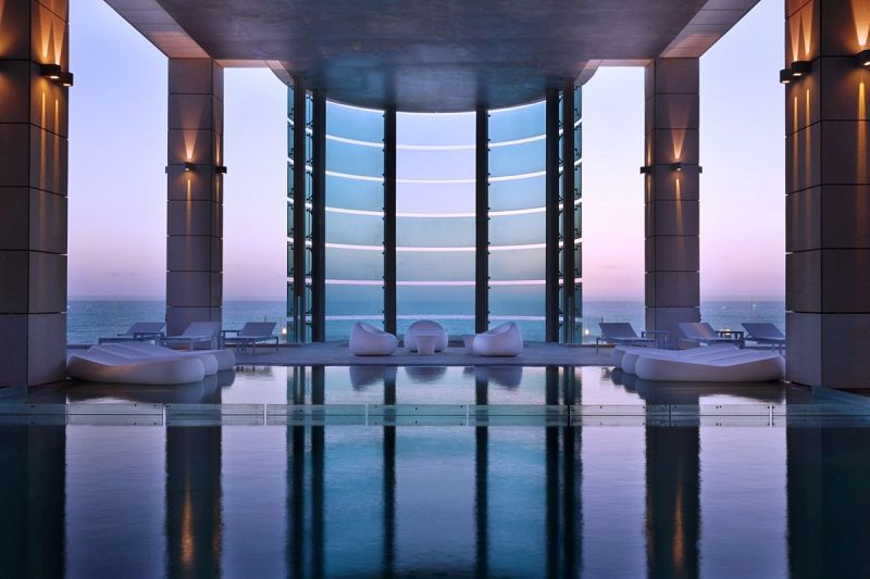 בריכה -מלון רויאל ביץ תל אביב