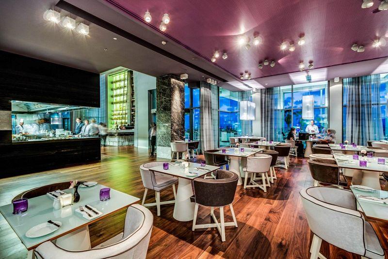 חדר אוכל -מלון רויאל ביץ תל אביב